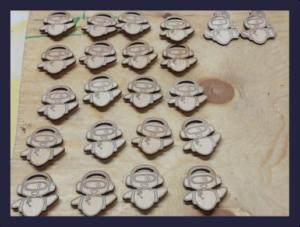 Изготовление деревянных значков с гравировкой от 01.11.2019